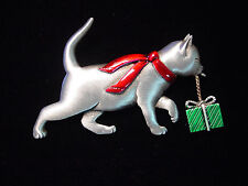 """""""JJ"""" Jonette Jewelry Silver Pewter 'CAT Carrying HOLIDAY Gift' Pin"""