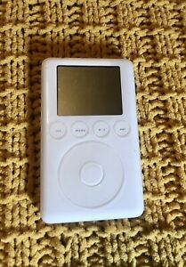 Apple iPod Classic 3rd Generation A1040 15GB EMC 1961