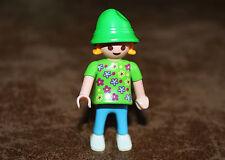 Playmobil personnage enfant fille robe chapeau maison moderne ref hh