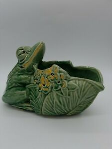 Vintage McCoy Pottery 1943 Frog w/Lotus Planter Green Collectible Pot LOOK!