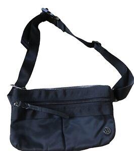 LULULEMON Black Belt Bag Fanny Pack Purse Classic Nylon Zipper Pockets EUC Run