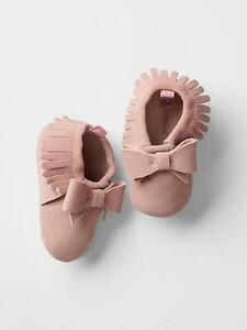 GAP Baby / Toddler Girl Size 18-24 Months Pink Suede Moccasins Fringe Booties