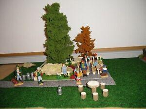 LGB Biergarten mit 2 TOP Bäume, Bänke, Tische und 8 Figuren