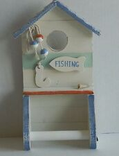 WOODEN BEACH HUT TOILET ROLL HOLDER SEASIDE NAUTICAL BATHROOM