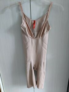 Women's SPANX Open-Bust Mid-Thigh Bodysuit Soft Nude Size M Very good condition