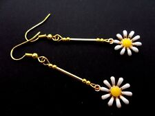 A PAIR PRETTY SUNFLOWER DAISY FLOWER THEMED  DANGLY EARRINGS. NEW.
