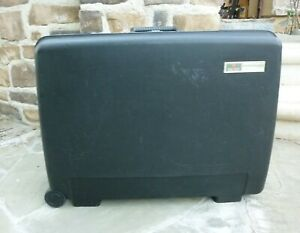 """VINTAGE DELSEY CLUB HARDSIDE BLACK SUITCASE WITH WHEELS SIZE 25""""x19""""x9"""""""