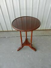 VINTAGE TRI PILLARED MAHOGANY STAND TABLE CANDLE LAMP WINE (b)