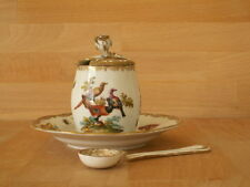 EARLY 19TH CENTURY MEISSEN PORCELAIN MUSTARD POT ON STAND WITH SPOON