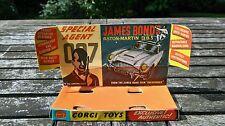 Corgi toys no 261 James Bond Aston Martin DB5  original inner plinth, excellent