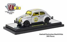 M2 MACHINES 1/24 MOONEYES 1952 VOLKSWAGEN BEETLE DELUXE 40300-MOON CHASE CAR