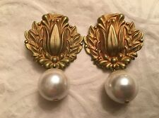 VINTAGE MISIA Designs Gold Tone Clip On Earrings Large Chunky Faux Pearls Signed