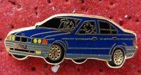PIN'S VOITURE BMW SERIE 3 ARTHUS BERTRAND