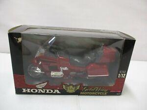 New-Ray Honda Gold Wing Motorcycle 1/12