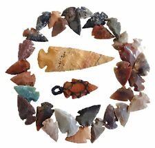 32 PCS LOT OF ARROWHEADS / HANDMADE FLINT STONE COLLECTION