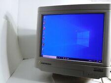 Gateway 2000 CrystalScan 1572 DG 14 Inch CRT Monitor model cpd-15F13 color displ