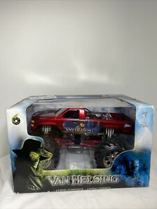 2004 Muscle Machines USA TOO WILD VAN HELSING Monster Truck Die Cast Red