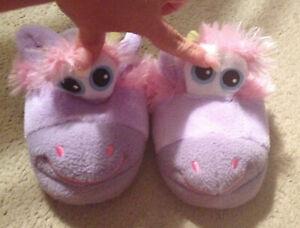 Stompeez Children's Unicorn Slipper in Purple – Size Small 9/10