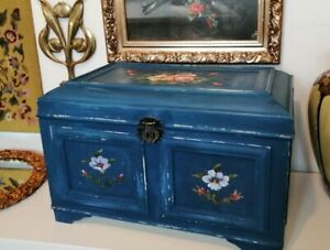 Vintage Hand Painted Folk Style Toybox Chest Storage Box Coffee Table