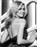 OLIVIA NEWTON-JOHN IN THE FILM 'XANADU' - 8X10 PUBLICITY PHOTO (AZ011)
