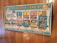 VTG 1959 BARBIE DELUXE READING DREAM KITCHEN SET & ACC - IN ORIG BOX RARE 1ST ED