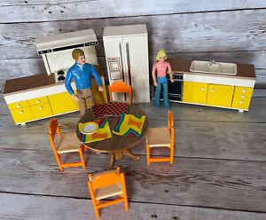 Vintage Tomy Smaller Homes dollhouse furniture - KITCHEN / DINING set