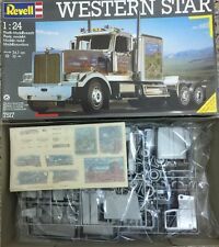 Revell 1/24 WESTERN STAR W/EXTRA CHROME PARTS