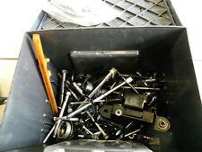 E4. Yamaha YZF 125 R06 Tornillos Piezas pequeñas Set de tornillos