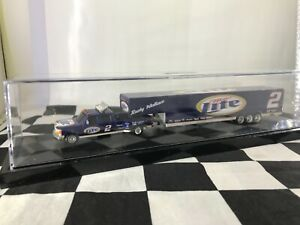 Rusty Wallace #2 Miller Lite 2001 Dually with Show Trailer in Case 1:64 Action