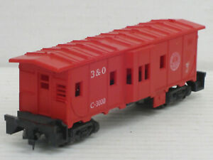 "Güterwagen / Güterwaggon in rot ""B & O"", Lima, 1:87 / HO, ohne OVP, defekt"