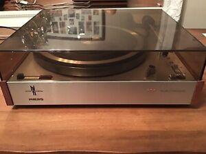 Philips 202 Turntable (vintage Rare)