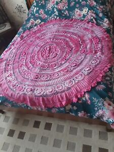 LOVELY VINTAGE HANDMADE TIE DYED CROCHET ROUND TABLECLOTH