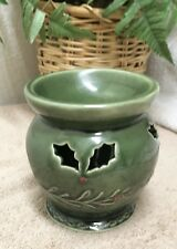 Chrismas Tradition Ceramic Votive Candle Holder Oil Burner Warmer Holly Green