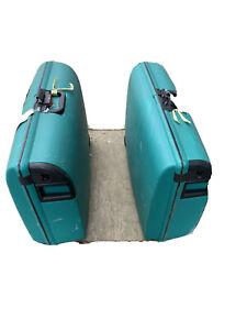 Large CARLTON green suitcase with wheels & lock
