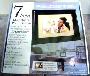 "NEW Pandigital 7"" LCD Digital Photo Frame Black 128 MB PAN707-B NIB"