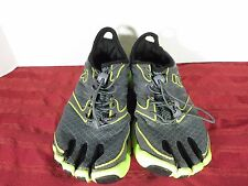 Fila Skeletoes Running CrossFit Fitness Marathon Jog Water Shoes Youth Sz 3.5