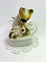 Vintage child's night light blue eyed Siamese cat and baby