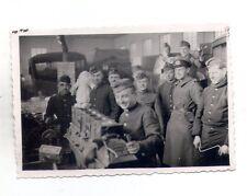 orginal Foto mehrere Soldaten Technik   2 WK