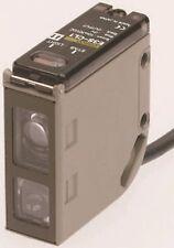 Omron E3S-CL1 5 M Photoélectrique capteur, définitive, 40-200 mm, DC, 3-Wire, NPN/PNP,