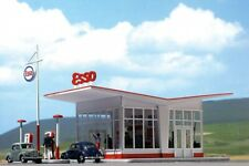 Gasoline Station Esso HO Scale 1:87 Diorama Model BUSCH