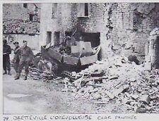 1996  --  BRETTEVILE L ORGUEILLEUSE    CHAR PANTHER DETRUIT DANS LA VILLE  3A272