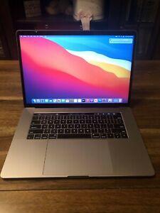 2017 MacBook Pro 15 inch 512gb quad core 2.9Ghz AMD Pro 560 4gb graphics