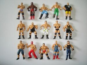 WWF WRESTLING WRESTLERS FIGURINES SET - FIGURES COLLECTIBLES MINIATURES