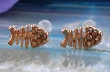 PENDIENTES AROS PEZ Hueso de pescado Espina bañado en oro con cristal color