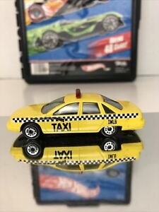 Chevrolet Chevy Caprice Taxi Cab Maisto 1:64 Rare In Excellent Condition