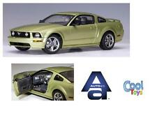 "1:18 Autoart #73011 2005 Ford Mustang GT Auto Show 2004"" Legend Lime RARE NEUF"