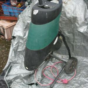 Garden Chipper/Shredder. TRY21001SD. 2100N, 240v.  B & Q. 106 dB.
