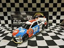 2016 Lionel 1/24 Kyle Busch #18 M&M's Brand Red, White, & Blue Toyota Camry