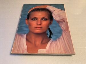 AUTOGRAPHED Bo Derek Photo Book Wallaby Books 1st Printing 1980 SIGNED AUTOGRAPH