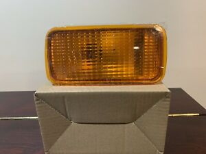 NISSAN UD RIGHT BUMPER SIGNAL LIGHT